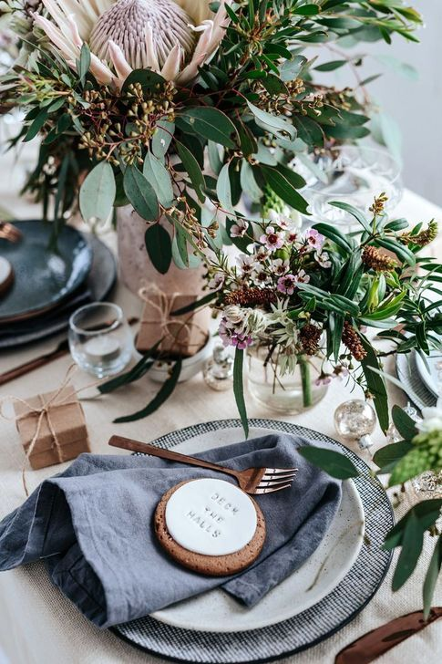 101 Creative Christmas Table Decoration To Brighten Up Your Feast Christmas Decorations Australian Australian Christmas Christmas Table Decorations