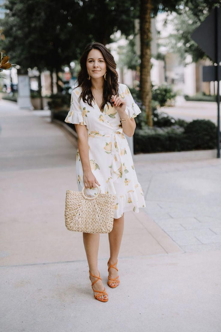 Ausgehen Classy Club Outfit Classy Cluboutfitsforwomen Outfits Going Out Outfits Classy Clu Lemon Print Dress Going Out Outfits Night Out Outfit Clubwear [ 1102 x 736 Pixel ]