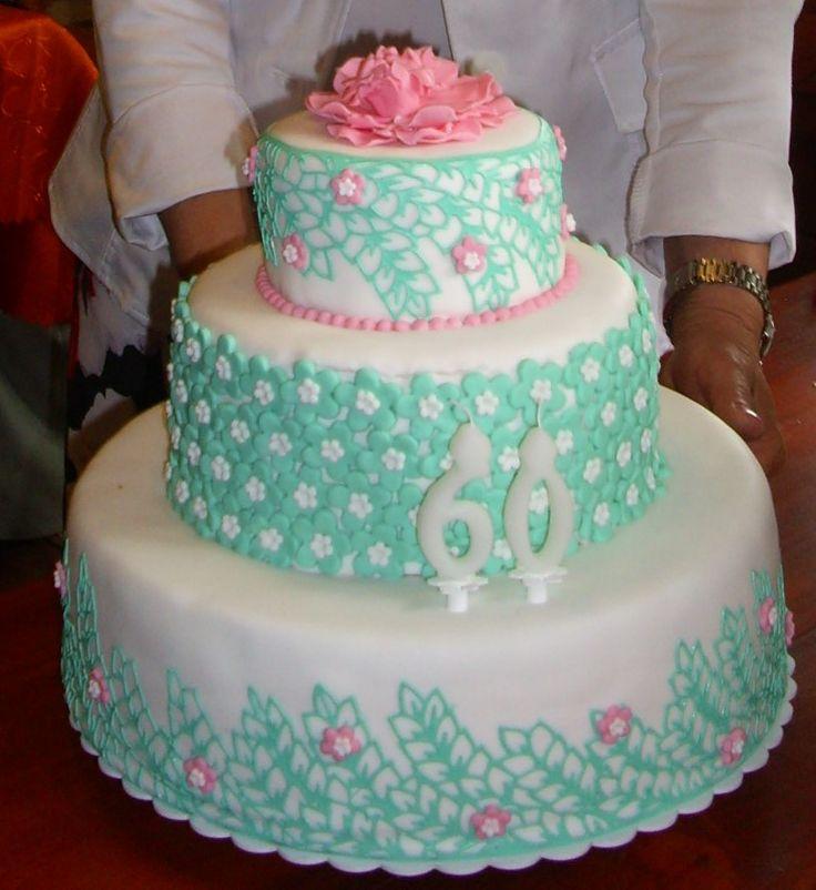 Lace Cake. Piškotový dort s čokoládovou náplní