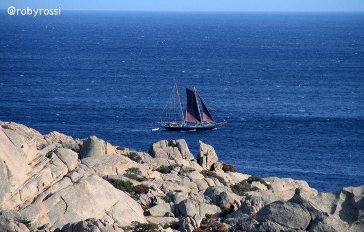 fin che la barca va... Cala Coticcio, Isola di Caprera - Gallura