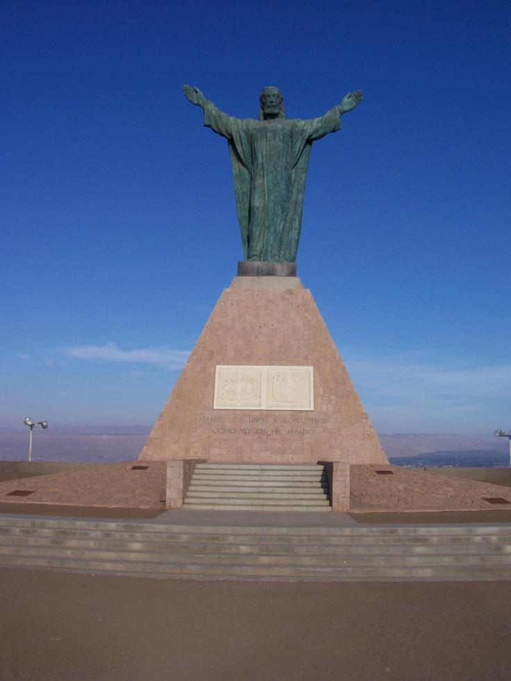 Cristo de la Paz, ubicado en el Morro de Arica, Chile.