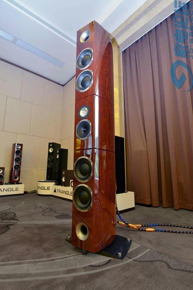 Magellan Grand Concert Speaker
