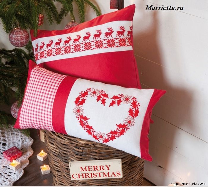 Рождественская вышивка на подушках. Схемы (2) (700x628, 347Kb)