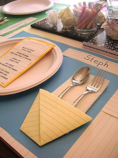 Back to school night dinner party decor: Back To Schools, Tables Sets, Schools Parties, School Parties, Schools Breakfast, Schools Theme, Dinners Parties, Parties Ideas, Backtoschool