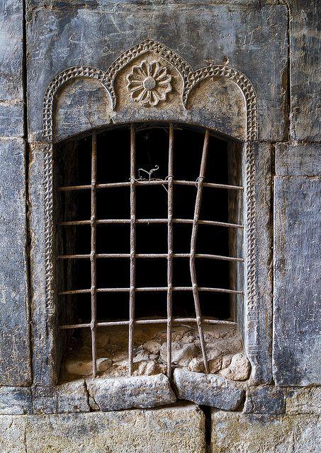thevintaquarian:Old Caravanserai Window, Koya, Kurdistan, Iraq by Eric Lafforgue on Flickr.