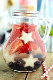 Everything Coastal Style: Day 5 - Mix up a Red, White and Blue Sangria