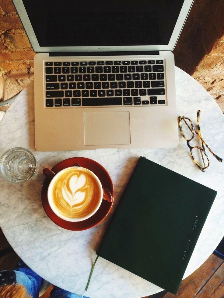 красивая картинка ноутбук и кофе патрон зенит содержит