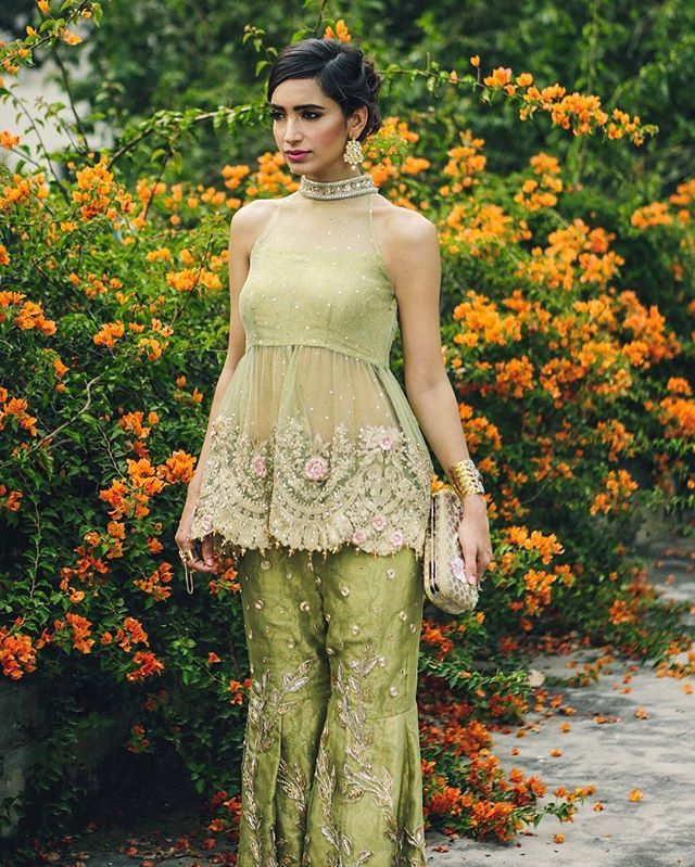 Shimmery motifs and florals set on pastel shades are the highlight in #SairaRizwan's latest collection, Mademoiselle, featuring #RubabAli  @sairarizwan_official @rubbab_ali @thebeeworks @fatimanasirmua