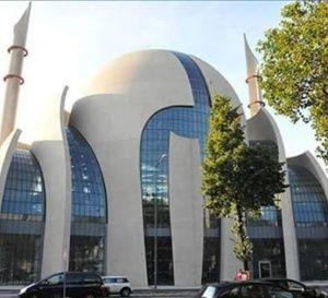 L'une+des+plus+belles+mosquées+d'Europe+ouvre+ses+portes+à+Cologne