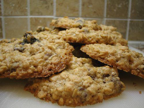 soaked oatmeal cookiesOatmeal Cookies, Treats, Chocolates Chips, Yellow Cake, Cake Mixed, Food, Oatmealcookies, Cookies Recipe, Oatmeal Raisin Cookies