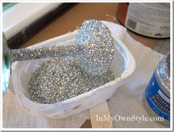 How to Glitter the Stem on a Wine Glass