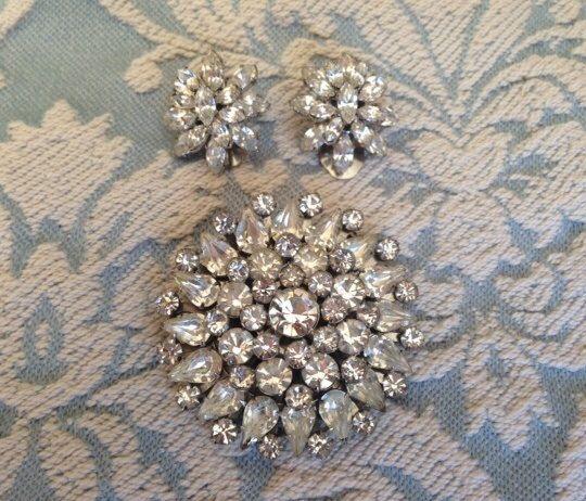 Stunning Vintage Rhinestone Brooch and Earrings by 4Seas on Etsy, $45.00
