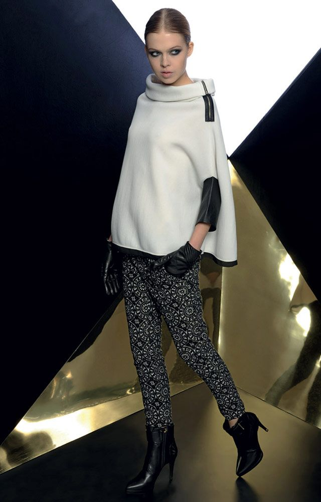 Look 03 _ 100 Sweater . 423 Trousers . 212P Leather Gloves . 287P Ankle Boots