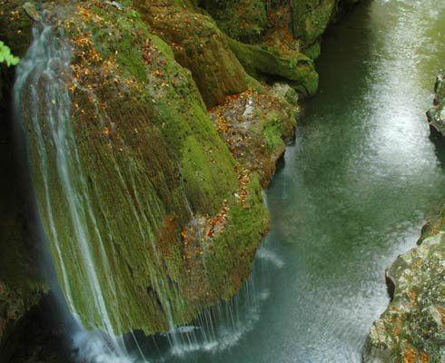 Popasul Paralela 45 şi frumoasa Cascadă Bigăr
