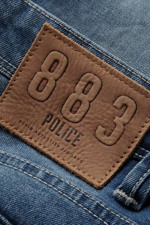 Discover the detail portrayed in the Motello Jean, wash 288  #Denim #MensStyle https://www.883police.com/motello-288-jeans.html