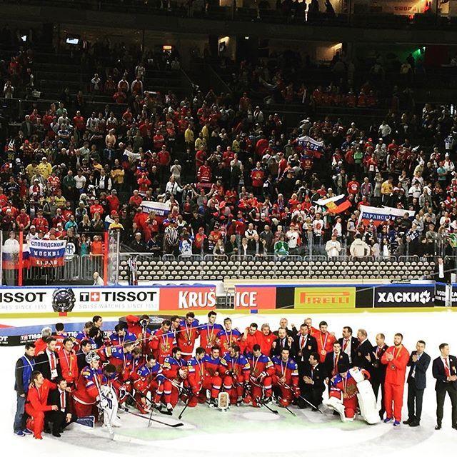 Уррра! Сборная России по хоккею с шайбой стала бронзовым призером на Чемпионате Мира по хоккею 2017, обыграв команду Финляндии со счетом 5:3. Парни, вы все большие молодцы! Весь турнир - в группе и в плей-офф - вы были самыми лучшими!