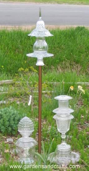 garden decor: Plants Stands, Yard Art, Gardenart, Gardens Glasses, Gardens Decoration, Gardens Art, Glasses Totems, Garden Totems, Glasses Gardens Totems