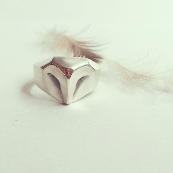 Hey, I found this really awesome Etsy listing at https://www.etsy.com/listing/184976279/owl-silver-ring-geometric-animal-jewelry