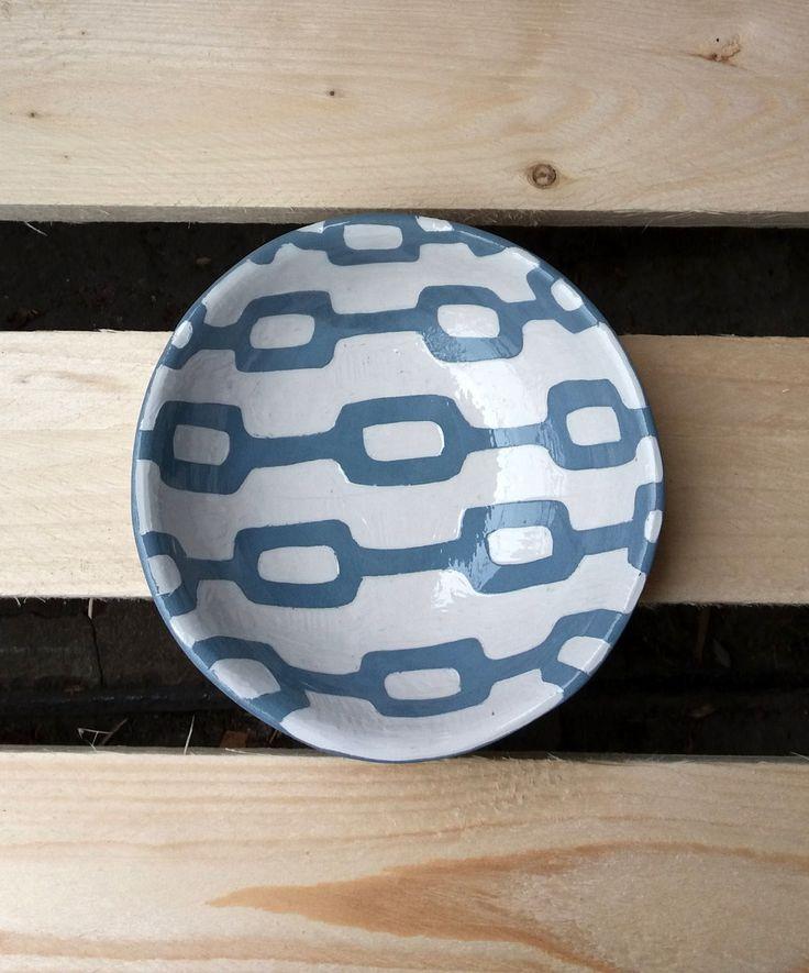 Ciotola decorata fatta a mano / decorazione geometrica / decorazione a graffito / geometric decoration / blue and white di QBceramics su Etsy