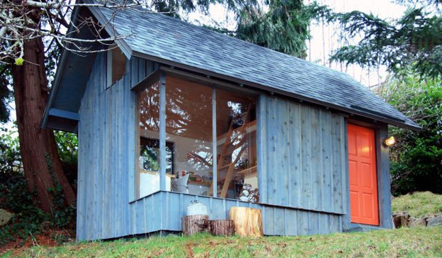 Exterior of the backyard studio Riley McFerrin of Hinterland Design built for his client, a children's book illustrator.