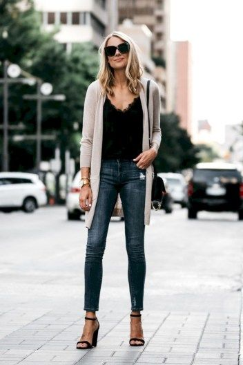 Lovely Winter Work Outfits For Blonde Women 15