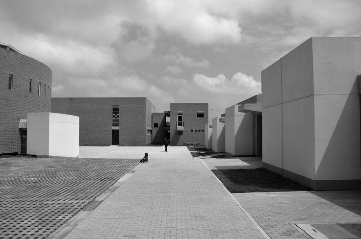 Colegio en Soacha / Alejandro Peña Cuéllar Arquitecto