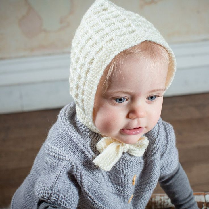 Acorn Lace Cream Bonnet