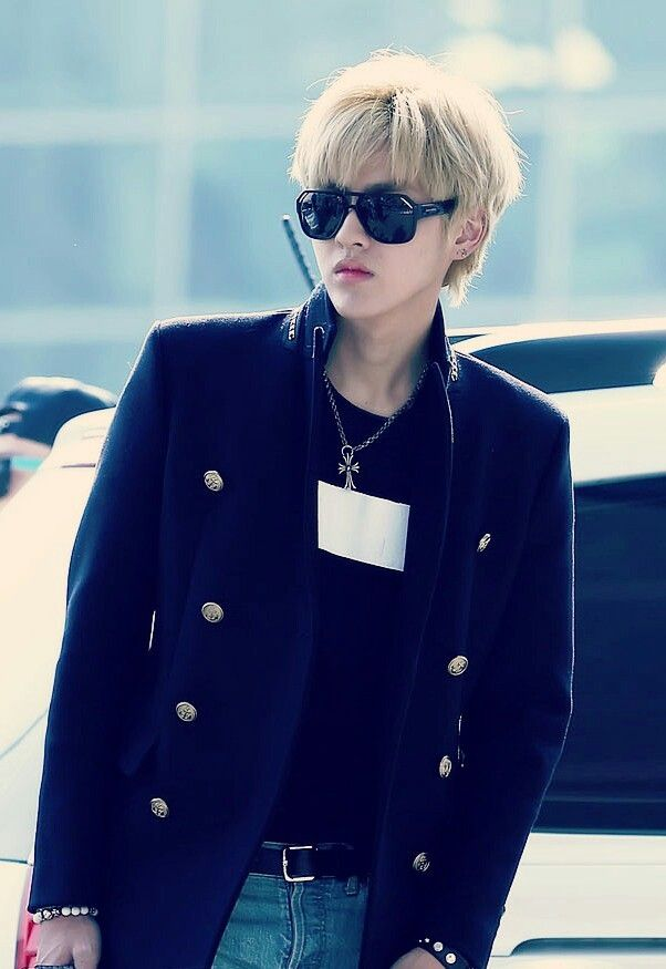 Kris airport fashion
