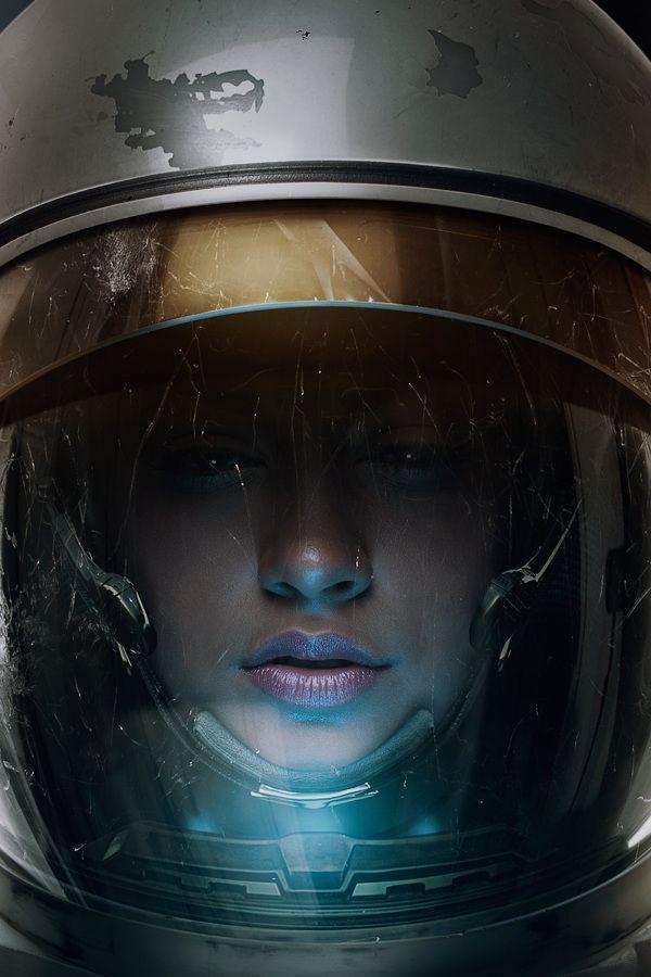girl in astronaut helmet - photo #20