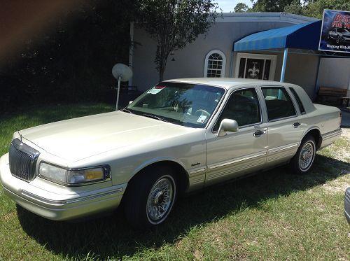 1997 Lincoln Town Car - Lacombe, LA #9978655821 Oncedriven