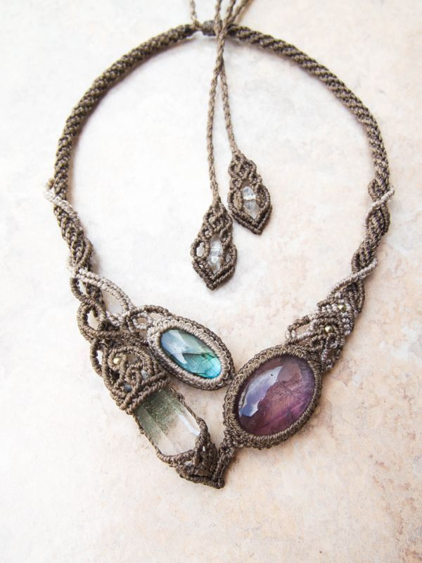 STONES SPIRIT - Macrame necklace