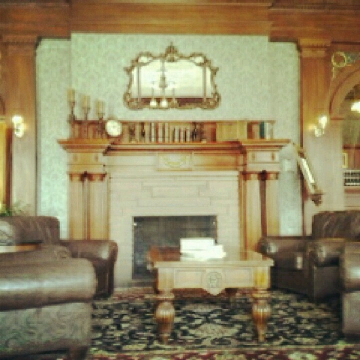 Stanley Hotel Ghost Photographed At Hotel That Inspired: 44 Best Images About The Stanley Hotel On Pinterest