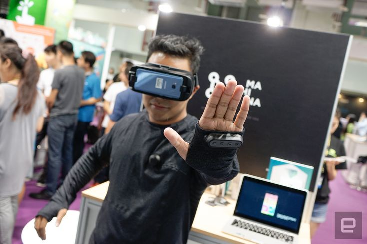 Learn about Fashion and tech collide in this VR-friendly connected shirt http://ift.tt/2qyDnc7 on www.Service.fit - Specialised Service Consultants.