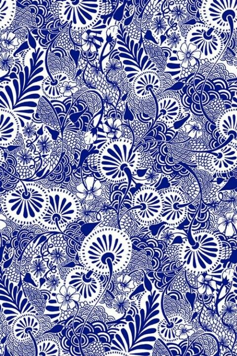 floral print in blue