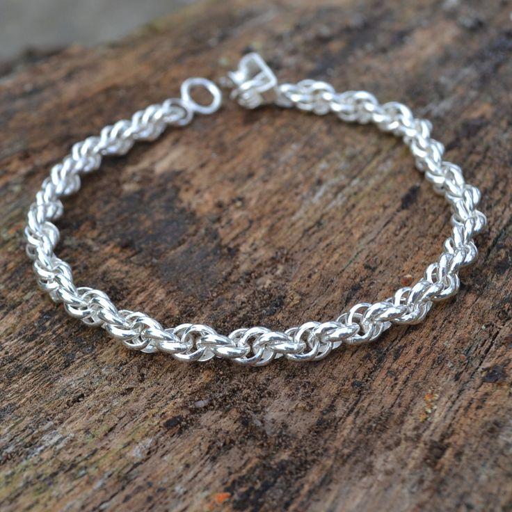 Aparte armband van zilver 950 gemaakt