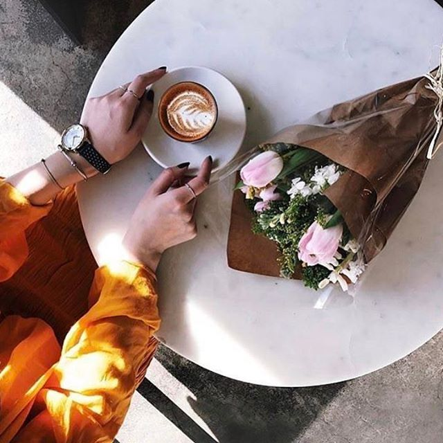Végre péntek!#friday #weekend #april #coffee #spring #flower #morning #breakfast #elle #ellehungary @coffeenclothes  via ELLE HUNGARY MAGAZINE OFFICIAL INSTAGRAM - Fashion Campaigns  Haute Couture  Advertising  Editorial Photography  Magazine Cover Designs  Supermodels  Runway Models