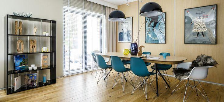 Kolorowe krzesła w jadalni - błękit i zieleń - Myhome