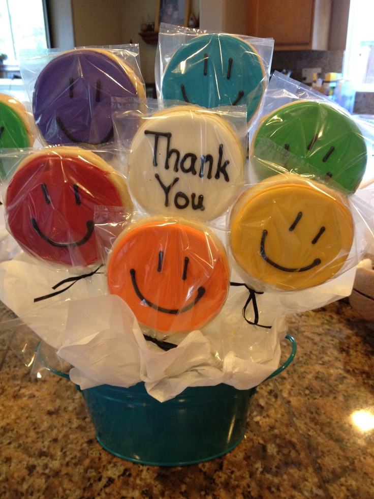 Happy Face Thank you cookie bouquet