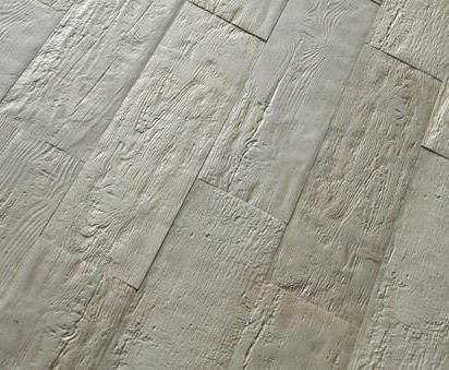 Pli Distressed Wood Look Porcelain Tiles