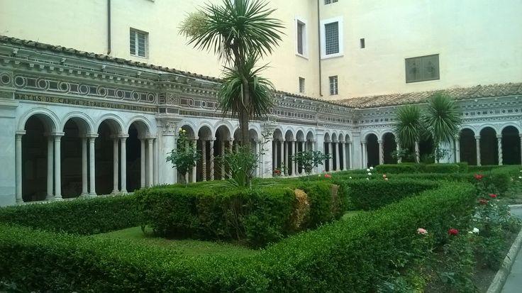 Chiostro, palme, Basilica di San Paolo, #Roma