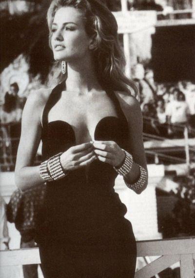 Karen Mulder in Gianni Versace