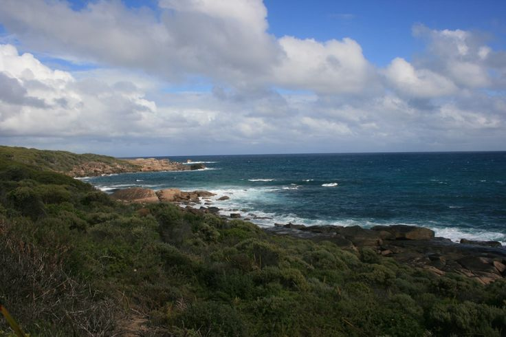 The well-known 125km Cape to Cape walking track stretching between Cape Leeuwin and Cape Naturaliste passes through the campsite and therefore the site is often used by walkers. The campsite also m…