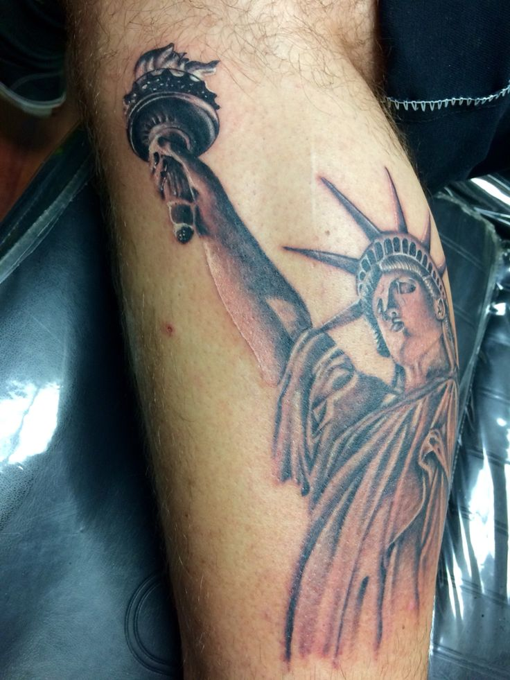 Statue of liberty tattoo by joe gurmo krazy 8 tat2 in for Tattoo removal in queens