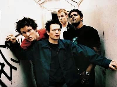 Chord Gitar, Lirik Lagu Dan Download Mp3: Lirik lagu Sum41 - Confusion And Frustration In Mo...