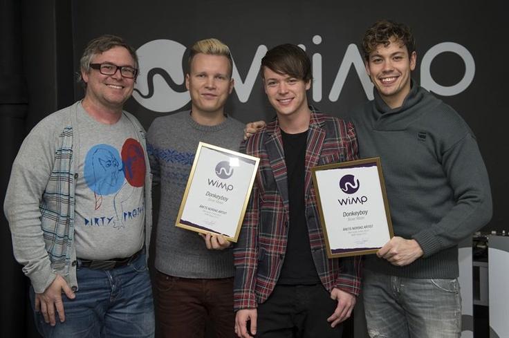 Donkeyboy receiving their WiMP-award