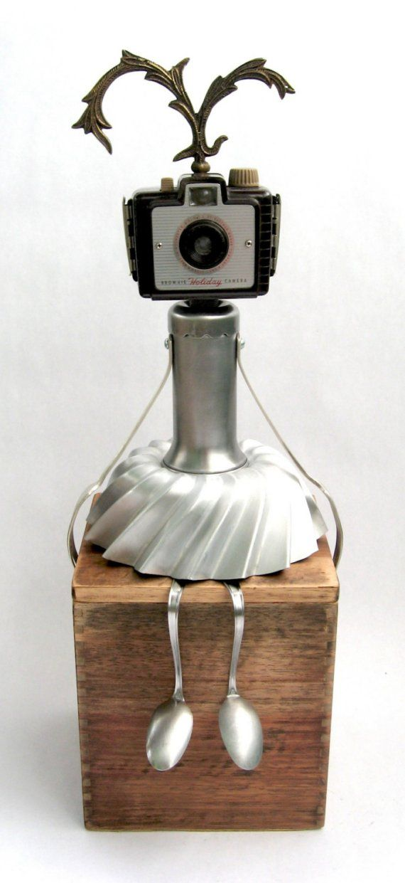 Holi - Found Object Robot Assemblage Sculpture by by Adoptabot. LOVE her!!***Research for possible future project.
