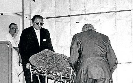 6/08/1962 Organisation des funérailles - Divine Marilyn Monroe