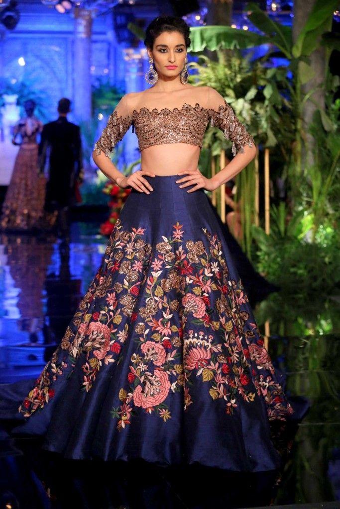 #ManishMalhotra #India #Couture Week 2016 - #Indian #India #Wedding #CoutureWear #Fashion #Designer #IndianDesigner #Style #Indianwear #WeddingWear