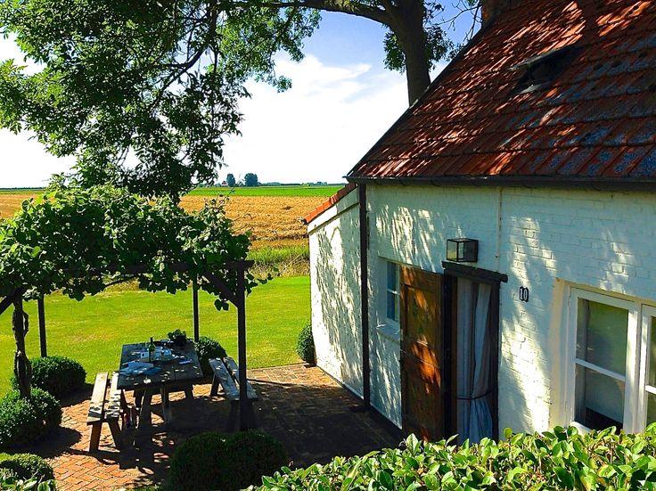 DUIVENHOEKSEWEG 10: Heerlijk, het lijkt wel Zuid-Frankrijk! Overnachten in bed & breakfast of te huur als vakantiehuis nabij Hulst | Kloosterzande, Zeeland