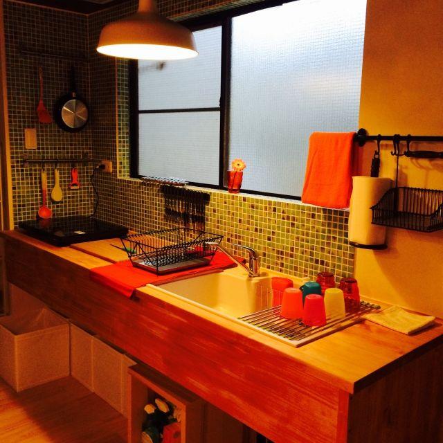 I松の木を大工さんにカットしてもらい、ネットでモザイクタイルを買い後は松をスティン塗装しました^_^  KEA/100均/ダイソー/DIY/男の趣味部屋/キッチン…などのインテリア実例 - 2015-04-15 03:06:25 | RoomClip(ルームクリップ)